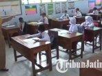 simulasi-kegiatan-pembelajaran-tatap-muka-di-sekolah-dasar-di-kabupaten-madiun-ilustrasi-sekolah.jpg
