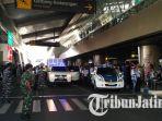 simulasi-penanganan-terorisme-di-bandara-juanda-surabaya_20170914_144920.jpg