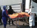 sopir-truk-boks-tewas-dalam-mobil-di-surabaya.jpg