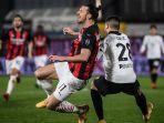 spezia-vs-ac-milan-rossoneri-kalah-dari-tim-promosi-ibrahimovic-gagal-ukir-rekor.jpg