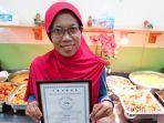 sri-heny-dan-sertifikat-halal-di-restorannya-di-taiwan.jpg