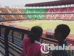 stadion-gelora-bung-tomo-surabaya-stadion-gbt.jpg