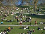 suasana-aktivitas-warga-di-ibu-kota-swedia-stockholm-saat-pandemi-covid-19.jpg