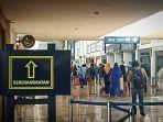 suasana-area-keberangkatan-di-terminal-1-bandara-juanda-terpantau-ramai.jpg