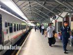 suasana-di-stasiun-gubeng-surabaya-penumpang-wajib-pakai-masker.jpg
