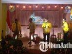 suasana-grand-final-lomba-cipta-lagu-partai-golkar-di-surabaya.jpg