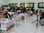 suasana-pembelajaran-tatap-muka-terbatas-siswa-siswi-smkn-6-surabaya.jpg