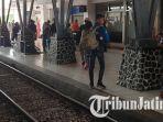suasana-penumpang-kereta-api-di-stasiun-kota-blitar-pada-libur-natal-2018-dan-tahun-baru-2019.jpg