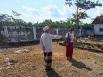 suasana-persiapan-pemakaman-kh-agus-sunyoto-di-desa-balong-ringinrejo-kabupaten-kediri.jpg