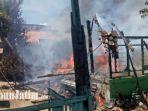 suasana-rumah-milik-syaiful-warga-jalan-balaikambang-kabupaten-pamekasan-terbakar.jpg