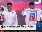 sudrajat-dan-ahmad-syaikhu-bawa-kaus-2019-ganti-presiden-pilgub-jabar_20180515_075010.jpg