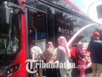 suroboyo-bus-beroperasi_20180409_112455.jpg
