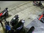 tangkapan-layar-aksi-pencurian-helm-terekam-cctv-terjadi-di-sebuah-kantor.jpg