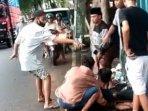 tangkapan-layar-video-viral-di-media-sosial-yang-menampilkan-aksi-penusukan-di-lumajang.jpg