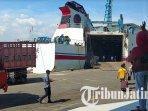 terminal-penumpang-di-pelabuhan-gapura-surya-nusantara-surabaya-tampak-lengang-ilustrasi-pelabuhan.jpg