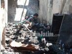 tiga-rumah-di-jalan-kutai-wonokromo-terbakar-akibat-api-dari-lahan-kosong.jpg