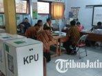 tps-011-kelurahan-ngantru-trenggalek-tempat-plt-bupati-trenggalek-m-nur-arifin-menyalurkan-suaranya.jpg