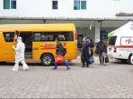 tujuh-pasien-covid-19-di-puskesmas-sawah-besar-jakarta-pusat-dijemput-bus-sekolah.jpg