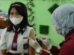 vaksinasi-covid-19-untuk-siswa-sd-di-kota-madiun.jpg