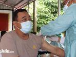 vaksinasi-tahap-kedua-hari-pertama-di-mapolres-trenggalek.jpg