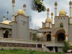 viral-masjid-megah-di-tengah-hutan-sulawesi.jpg