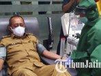 wakil-wali-kota-surabaya-armuji-mengikuti-screening-untuk-menjadi-pendonor-plasma-konvalesen.jpg