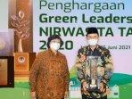 wali-kota-madiun-maidi-menerima-penghargaan-green-leadership-nirwasita-tantra-2020.jpg