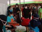 wali-kota-malang-sutiaji-mengunjungi-dapur-umum-warga-rw-03-kelurahan-gadang-kota-malang.jpg