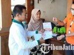 warga-desa-talun-kecamatan-montong-tuban-mengembalikan-bantuan-sosial-tunai-bst.jpg