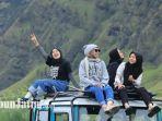wisatawan-gunung-bromo-1212.jpg