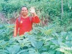 yono-rahmat-petani-porang-lereng-gunung-pandan.jpg