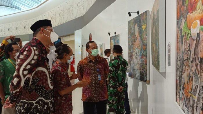 128 Karya Lukis 8 Seniman Ditampilkan di Area Keberangkatan Bandara YIA hingga Akhir Juni 2021