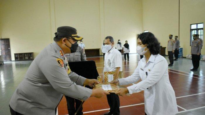 142 Tenaga Kesehatan Menerima Penghargaan dari Polres Magelang