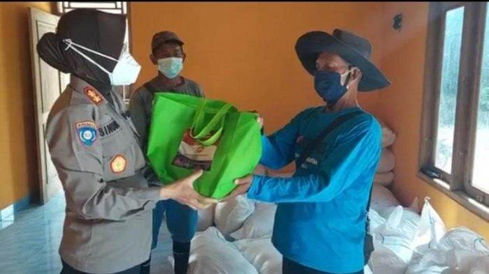 250 Paket Beras Diberikan untuk Pemulung di TPST Piyungan