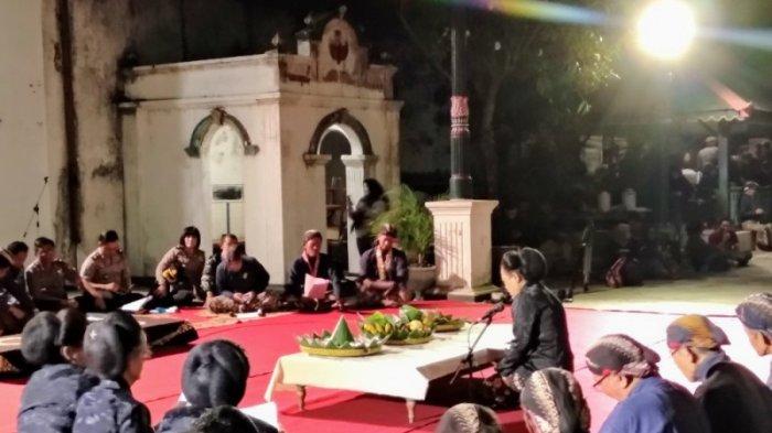 Mengenal Sejarah Malam 1 Suro yang Akan Jatuh 20 Agustus 2020 dan Mitos Misteri di Baliknya