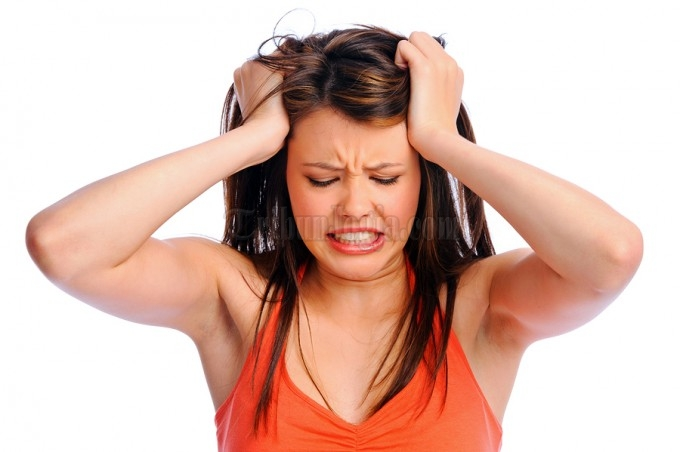 Bahaya di Balik Kebiasaan Terlalu Sering Minum Obat Sakit Kepala