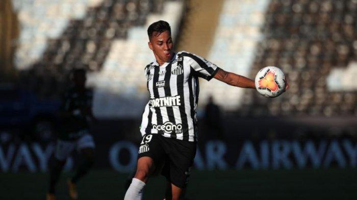 AC MILAN dan Juventus Bersaing Gaet Striker Muda Santos Kaio Jorge