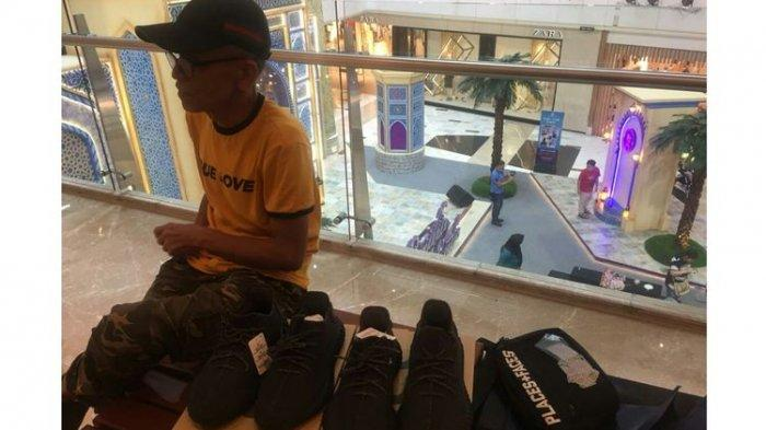Adidas Yeezy Boost 350 V2 Black Ludes