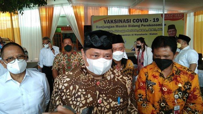 Tinjau Vaksinasi Santri di Klaten, Menko Airlangga: 125 Juta Warga Indonesia Sudah Divaksin
