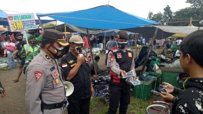 Ajak Warga Patuhi Protokol Kesehatan, Polres Klaten Kembali Bagikan 7.100 Masker