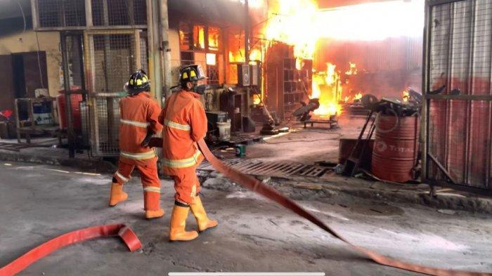 Akibat Konsleting Listrik, Satu Pabrik di Tempuran Ludes Dilalap Api