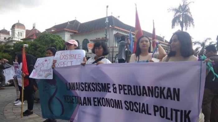 Peringati 'International Womens Day', Puluhan Perempuan Gelar Aksi di Titik Nol Kilometer Yogya