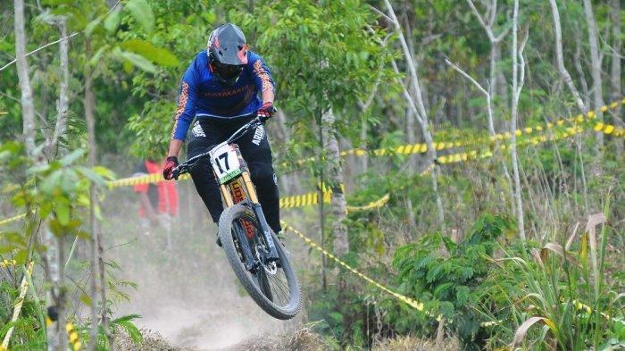 Atlet Balap Sepeda DI Yogyakarta Adakan Kompetisi Dengan Cara Latihan Bersama
