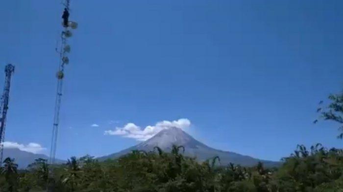 UPDATE Gunung Merapi Jumat 14 Mei 2021: Terjadi 8 Kali Guguran Lava Pijar Berjarak 1,8 Km