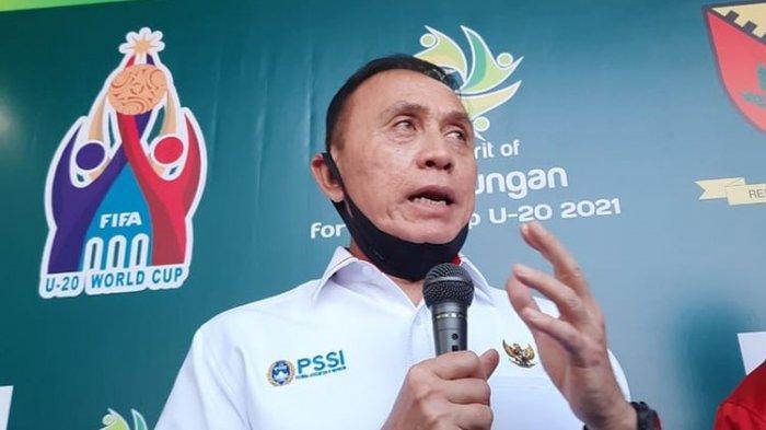 Ketua Umum PSSI, Moch Iriawan, saat meresmikan Lapangan Sabilulungan, Kabupaten Bandung, Rabu (22/7/2020).