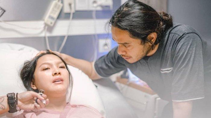 Ana Riana Pemeran Rinjani Tukang Ojek Pengkolan Melahirkan Anak Pertama