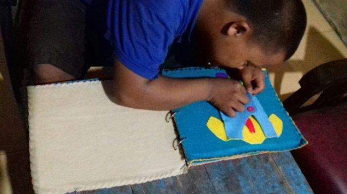 Tiga Mahasiswa UNY Kembangkan Buku untuk Kemandirian Anak Tunagrahita