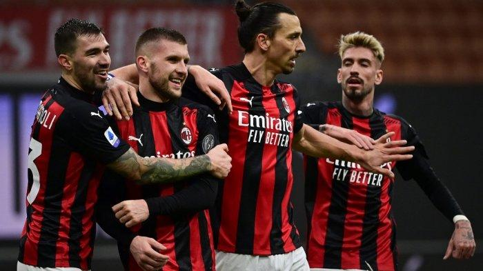 Ante Rebic, Alessio Romagnoli, Zlatan Ibrahimovic dan Samuel Castillejo di Serie A Italia AC Milan vs Crotone pada 7 Februari 2021 di stadion San Siro di Milan.