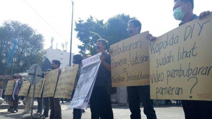 Masyarakat Anti Kekerasan Yogyakarta Gelar Aksi Diam di Kantor Gubernur DIY