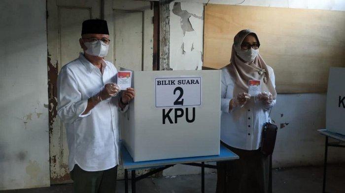 Antusias Gunakan Hak Pilihnya, Suharsono Jadi Pencoblos Pertama di TPS 55 Bangunharjo